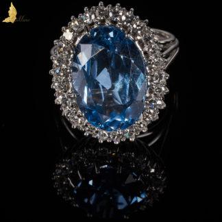 Błękitny Spinel 10 ct w koronce z Brylantów białe złoto 18 K