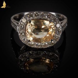 Ręcznie wykonany pierścionek z żółtym Szafirem i Brylantami w 18 K złocie