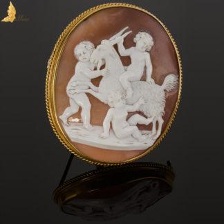 Klasycystyczna kamea z 3 cherubinami w 14 K złocie, XIX-XX w. -BR0013