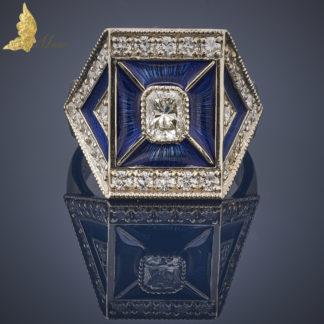 Sygnet La Muse z kobaltową emalią i brylantami