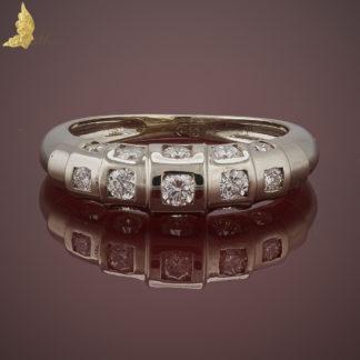 Pierścionek z diamentami 0,83 ct 'geometryczna kostka' projektu Jacka Barona