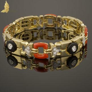 Powojenna bransoleta z brylantami, onyksami i szlachetnym koralem w 18K żółtym złocie