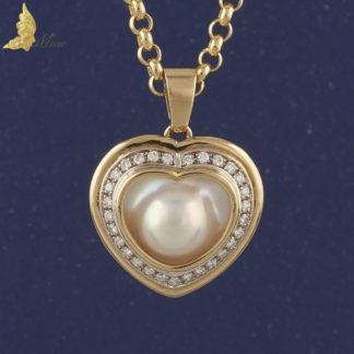 Zawieszka z białą perłą i brylantami ok. 0,80 ct w kształcie serca w 18K żółtym złocie