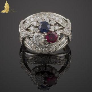 Pierścionek z brylantami ok. 2,70 ct, rubinem i szafirem w białym złocie 18K